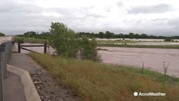 Flash floods engulf roads
