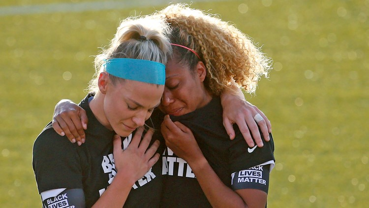Soccer stars Ertz, Short say soul-searching led to vulnerable embrace on field