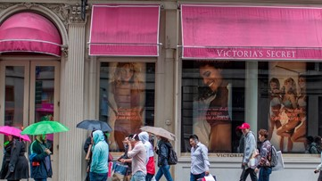 L Brands to close 250 Victoria's Secret stores, 50 Bath & Body Works locations