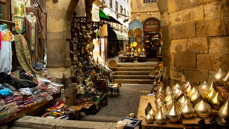 7 tips for finding the perfect meaningful souvenir