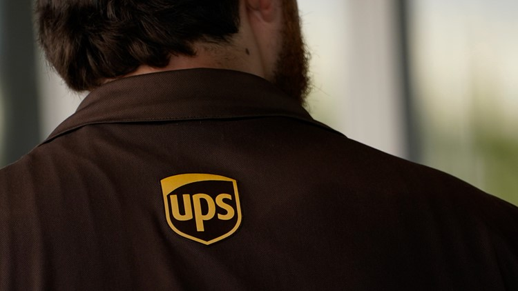 Fast hiring: UPS to hire 100,000, many in 30 minutes or less
