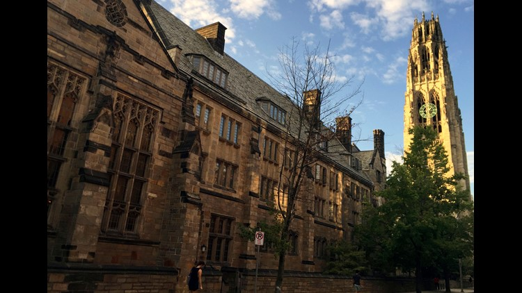 White student calls police on black student sleeping in Yale common room