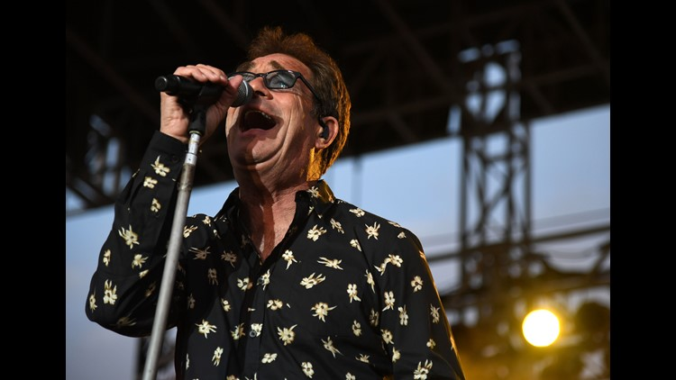 Huey Lewis Cancels All 2018 Shows Due to Hearing Loss