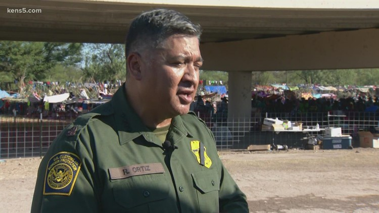 US Border Patrol chief outlines plan to move more than 14,000 migrants from packed Del Rio encampment