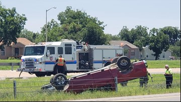 One injured in rollover crash on Houston Harte Expressway