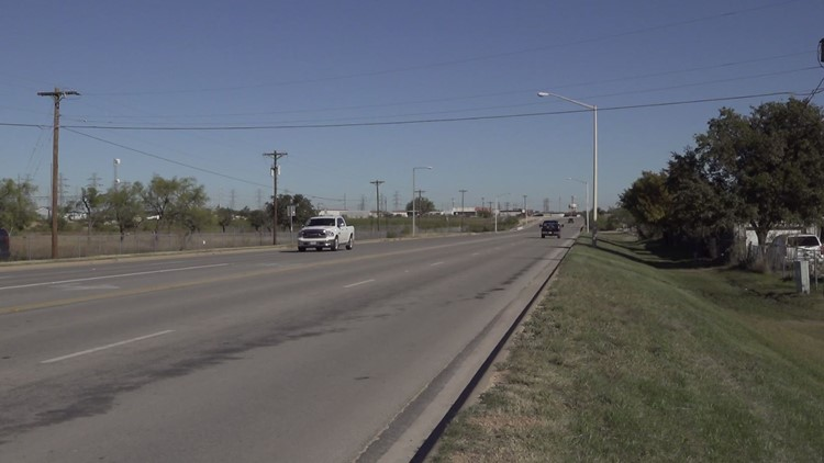 SAPD investigating triple fatality crash on Knickerbocker Road