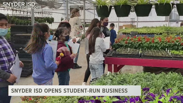 Snyder ISD opens student-run business