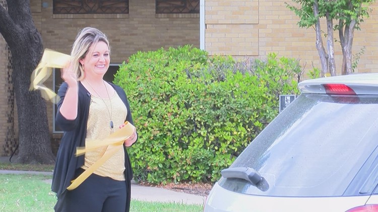 "San Angelo ""goes gold"" to support those in senior care facilities"