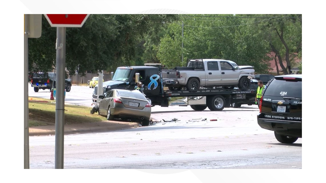 One dead in crash on Brookhollow in Abilene