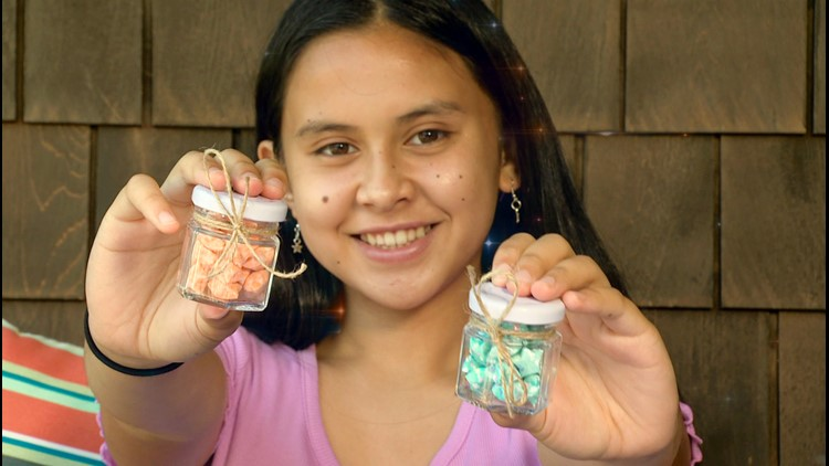 Seattle teen spreading joy and justice with jars of stars