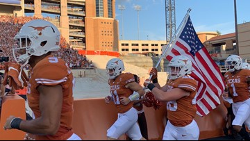 HIGHLIGHTS: No. 10 Texas Longhorns dominate in opening game, win 45-14 over Bulldogs
