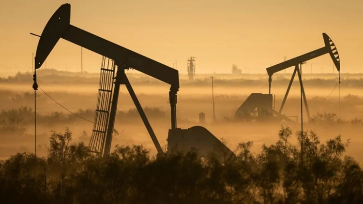 Texas Legislature advances bills to shield oil and gas from climate initiatives