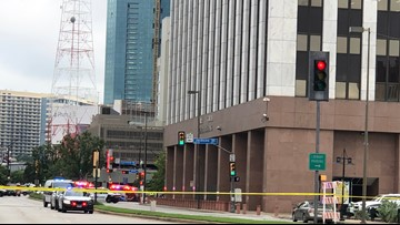 Gunman killed in shootout with officers outside federal courthouse in downtown Dallas