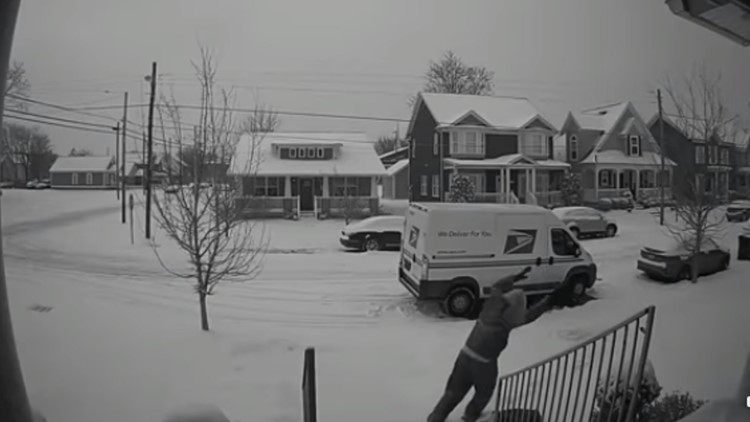 'Y'all look what I caught my mailman doing': Video shows Louisville mailman making snow angel in woman's yard
