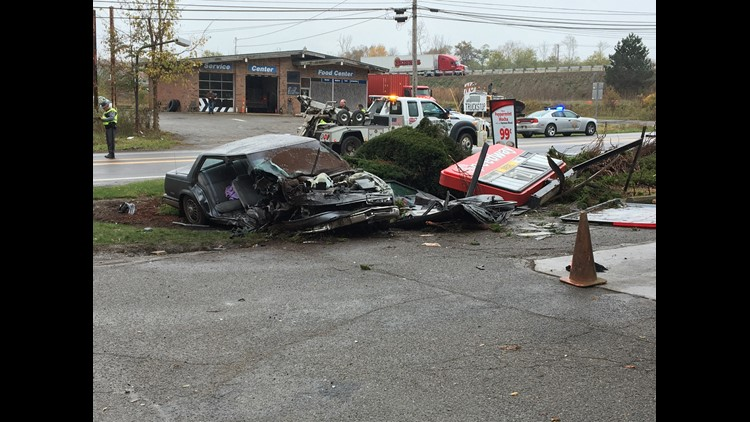 PHOTOS | Man crashes car at gas station after escaping Wadsworth courthouse