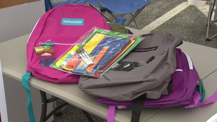 La Esperanza Clinic teams up with other nonprofits, businesses to gear up for back-to-school event