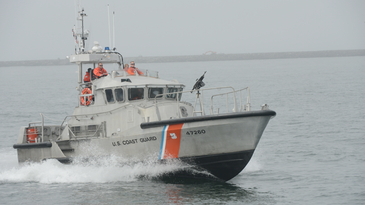 Coast Guard helps four mariners after boat takes on water in Elizabeth City